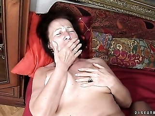 Redhead Holds Her Mouth Wide Open While Taking Cum Facial