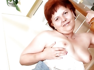 Sexy Older Cocksucker Catarin Loves To Get Sperm In Her Mouth
