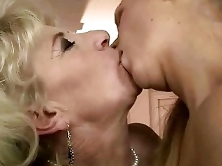 Old Blonde Lady And Young Lesbian Babe Lick Each Other