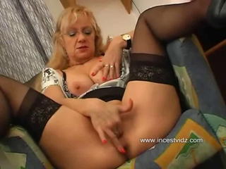 Blonde Mom Seduces Her Son - Il--familytube.online--ll