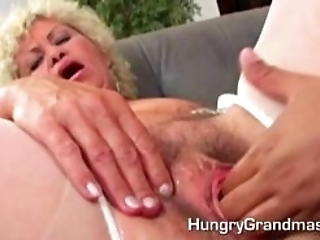 Granny Gives A Good Old Blowjob Like She Did When She Was Just 18