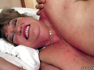 Plump Granny Margitta Gets Fucked By Skinny Young Guy
